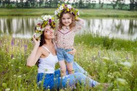 Фотосессия на природе возле озера. Весна