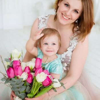 Красивый букет для мамы и дочки