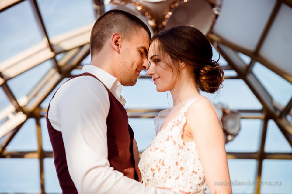 "<div class=""row"">Свадебная фотосессия в Grand Hotel Soho Азов</div>"