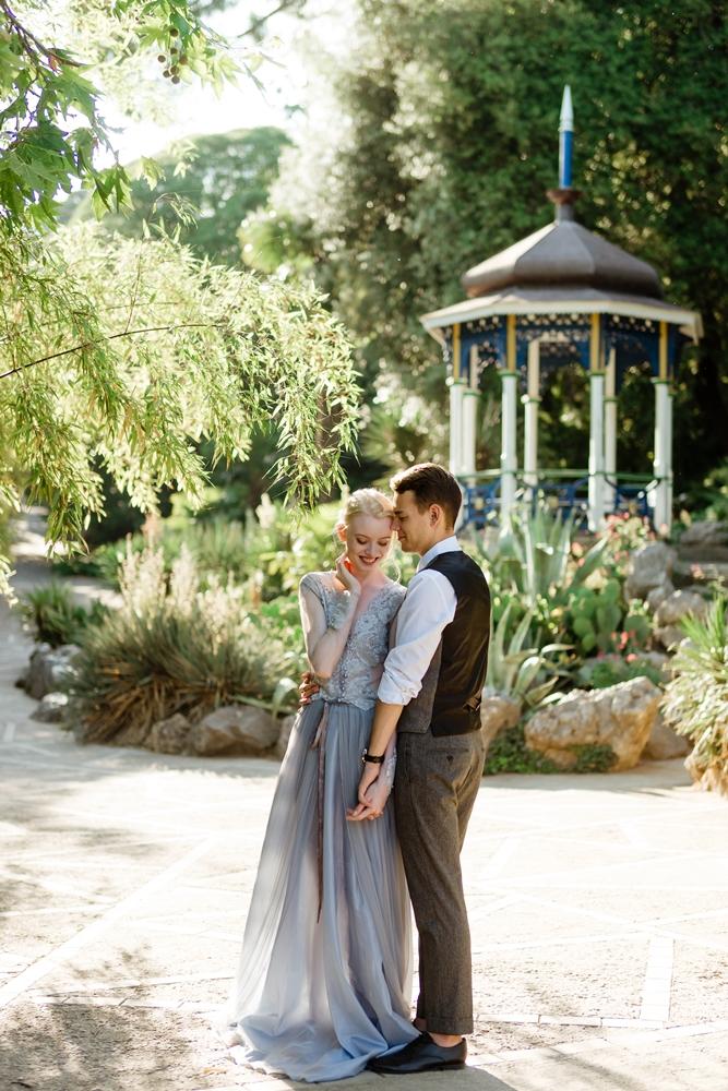 Свадебная фотосессия в ботаническом саду Крым