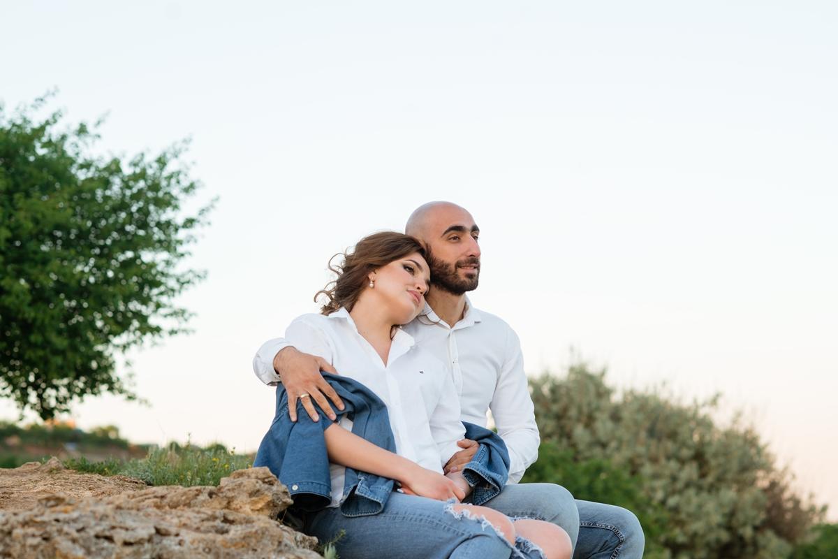Фотосессия беременной на природе с мужем в Мержаново